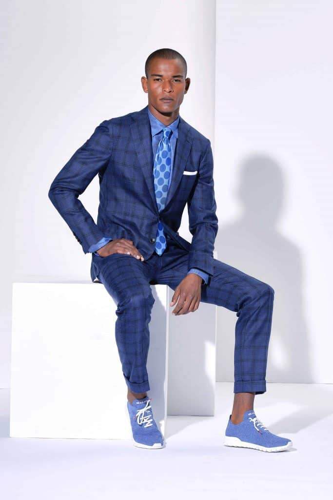 How to wear light blue shoes